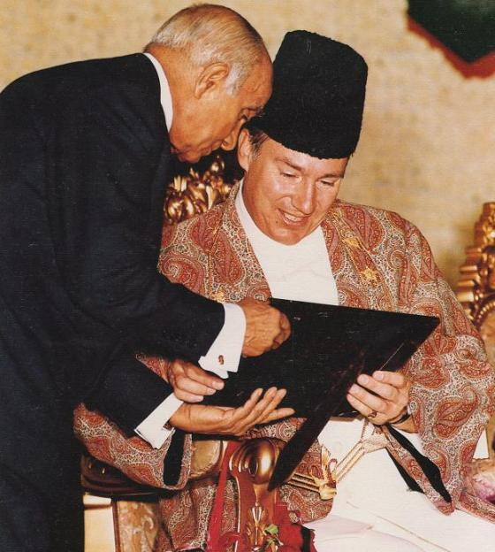 His Highness the Aga Khan and the Late Diwan Sir Eboo Pirbhai share a moment in Los Angeles, USA, in 1983
