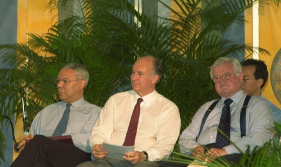 On 26th June, 2002, His Highness the Aga Khan joined US Secretary of State Colin Powell and Senators Edward Kennedy for the inuaguration of the Silk Roads Festival in Washington DC.