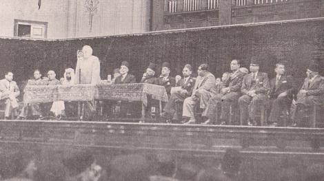 Aga Khan III addressing Muslims