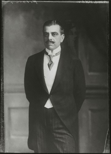 A portrait of Sir Sultan Mahomed Shah, His Highness the Aga Khan III, dated 1911, Copyright: National Portrait Gallery.