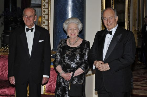 "Her Majesty the Queen has addressed the Canadian Parliament on three occasions. His Highness the Aga Khan received the title ""His Highness"" from Britain's Queen Elizabeth II on July 26th 1957. Here he is pictured with  Her Majesty the Queen and His Royal Highness Prince Philip when the Queeen hosted a dinner hosted to mark the Ismaili Imam's Golden Jubilee and to acknowledge the close relationship he and his family have had over generations with the British Monarchy and the UK.  Photo Credit: Akdn.org"