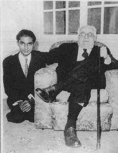 Mawlana Sultan Mahomed Shah with Abdul Mamdani.
