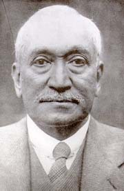 A portrait of Abdullah Yusuf Ali, CBE, FRSL (14 April 1872 – 10 December 1953), an Indian Islamic scholar whose translation of the Qur'an into English is one of the most widely known and used in the English-speaking world. Photo: Wikipedia.