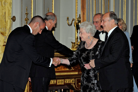 His Highness the Aga Khan presents his brother Prince Amyn and his son Prince Rahim to Her Majesty the Queen and His Royal Highness The Duke of Edinburgh, who welcomed them to Buckingham Palace during the Golden Jubilee of His Highness. Photo: AKDN/Gary Otte