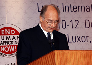 His Highness the Aga Khan delivering the Opening Remarks during the Award Ceremony