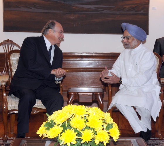 His Highness Prince Karim Aga Khan meeting the Prime Minister, Dr. Manmohan Singh, in New Delhi on September 18, 2013. P D Photo by Hansraj