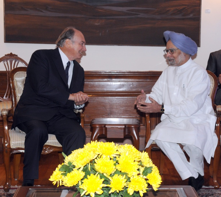 His Highness Prince Karim Aga Khan meeting the Prime Minister, Dr. Manmohan Singh, in New Delhi on September 18, 2013. P D Photo by Hansraj