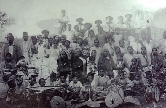 A historical photo of the Daman Jamat