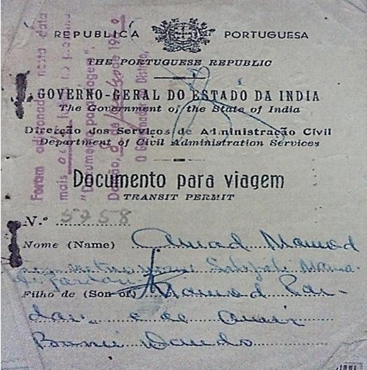 A specimen of the special transit permit (Documento para viagem) for crossing the border during the Bandi.