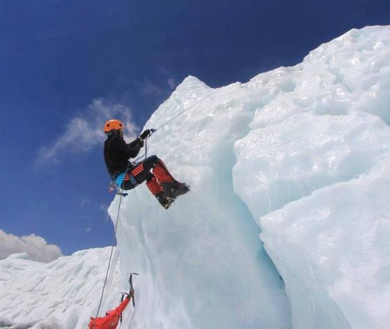 Samina Baig mountain climbing.