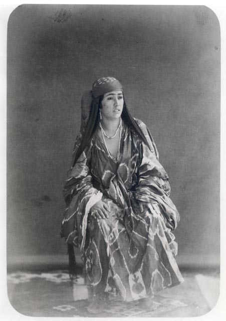 The images preserved in the extensive Turkestanskii Albom are both intrinsically sublime and useful to scholars. Khimet-Ai, a gracious Uzbek woman of obvious wealth, poses for the camera's approving lens. Photo: Library of Congress, USA.