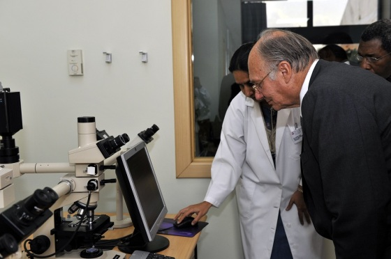 During his visit to East Africa in 2009, Mawlana Hazar Imam toured  some of the Hospital's diagnostic services and specialist clinics.  Photo: AKDN