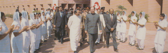 Mawlana Hazar Imam  with Pakistan President Zia ul-Haqq at the opening of the School of Nursing in Karachi in 1981. Photo: Christopher Little/25 Years in Pictures, Volume 1, 1983, Islamic Publications, UK.