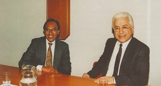 Professor Mohammed Arkoun (right) pictured with Dr. Aziz Esmail at the London Ismaili Centre in 1994 during a series of lectures on Islam, Europe and the West. Photo: Alnur Sunderji/The Ismaili, UK, July 1994, Number 17.