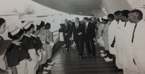 His Highness the Aga Khan visiting the hospital. Photo: Kunden Paatni Archives.