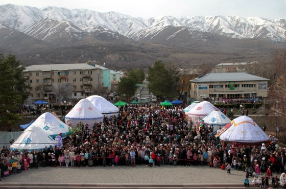Crowds celebrate Nowruz in Tekeli, Kazakhstan. Photo: Wikipedia.