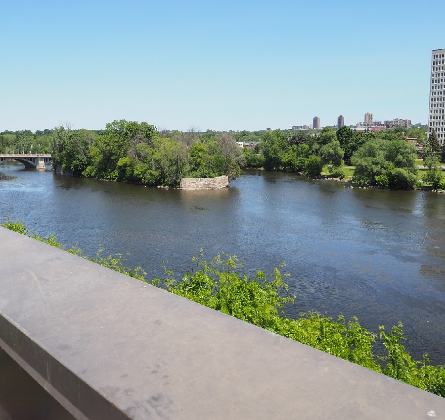 A marvellous view of the Rideau River from the lawns of the Rideau Place Residence which is often utilized by staff and visitors of the Algerian Embassy. Photo: Simerg/Malik Merchant.