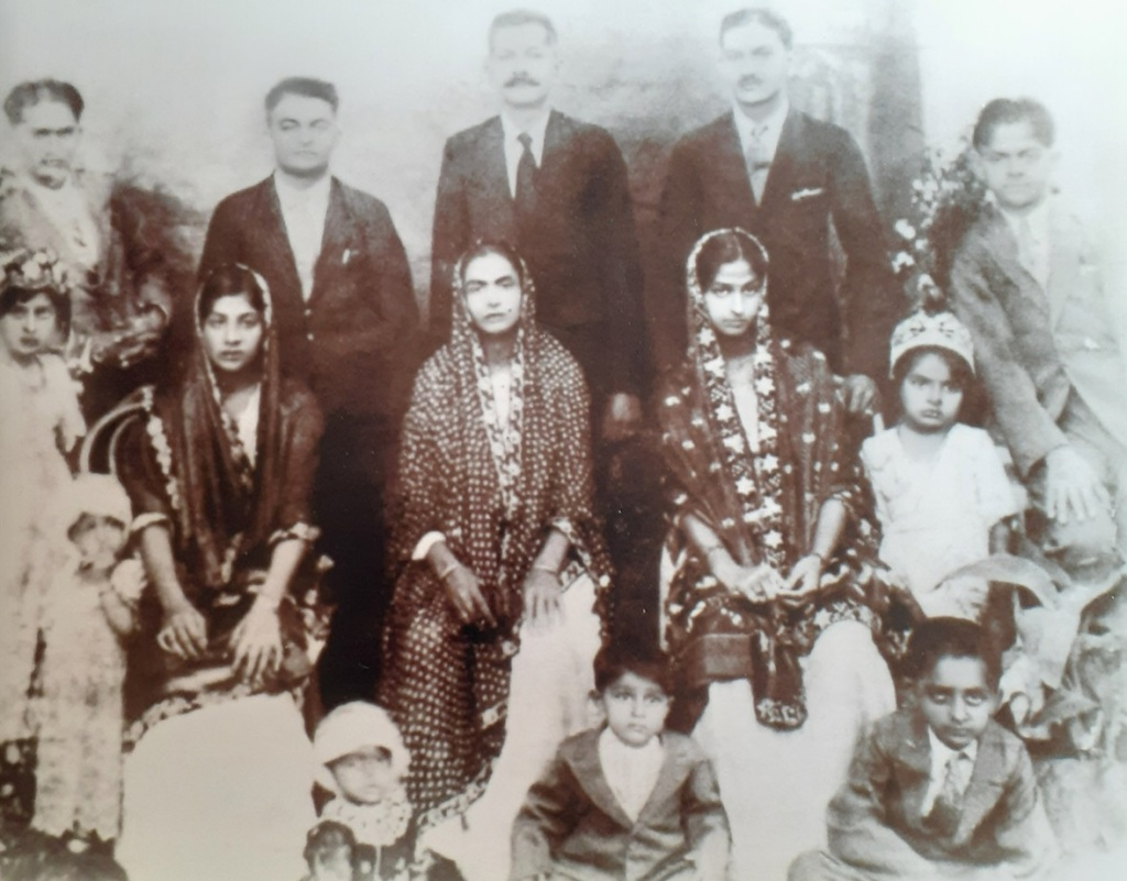 Alladin and Prembai's family, Ismaili Simerg