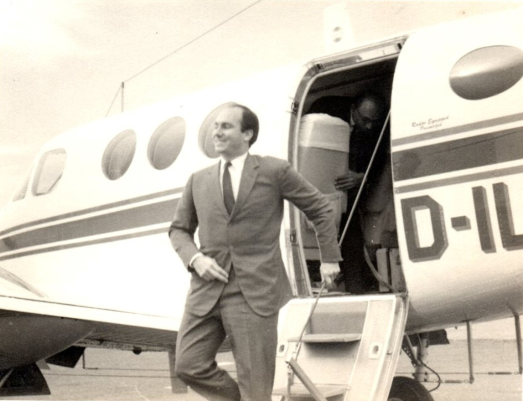 Aga Khan arrives in Entebbe, Uganda, Simerg