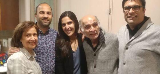 Alwaez Nizar Chunara with his wife and children. Passings Simerg